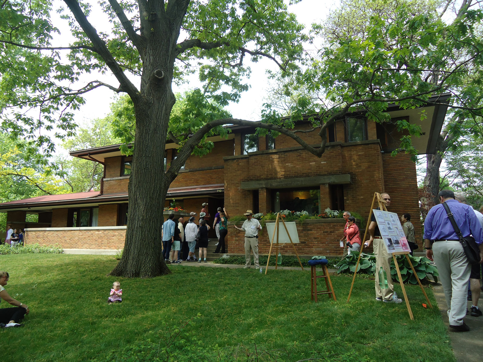 designed by frank lloyd wright and other notable architects in chicago